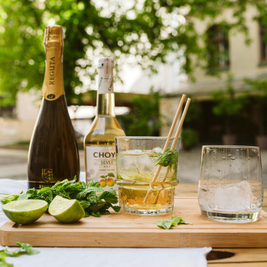 Drink na bazie Prosecco oraz japońskiego alkoholu ze śliwki Ume.